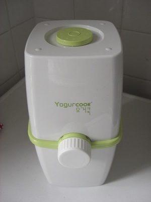 comment faire des yaourts maison avec la yaourti re yogurcook. Black Bedroom Furniture Sets. Home Design Ideas