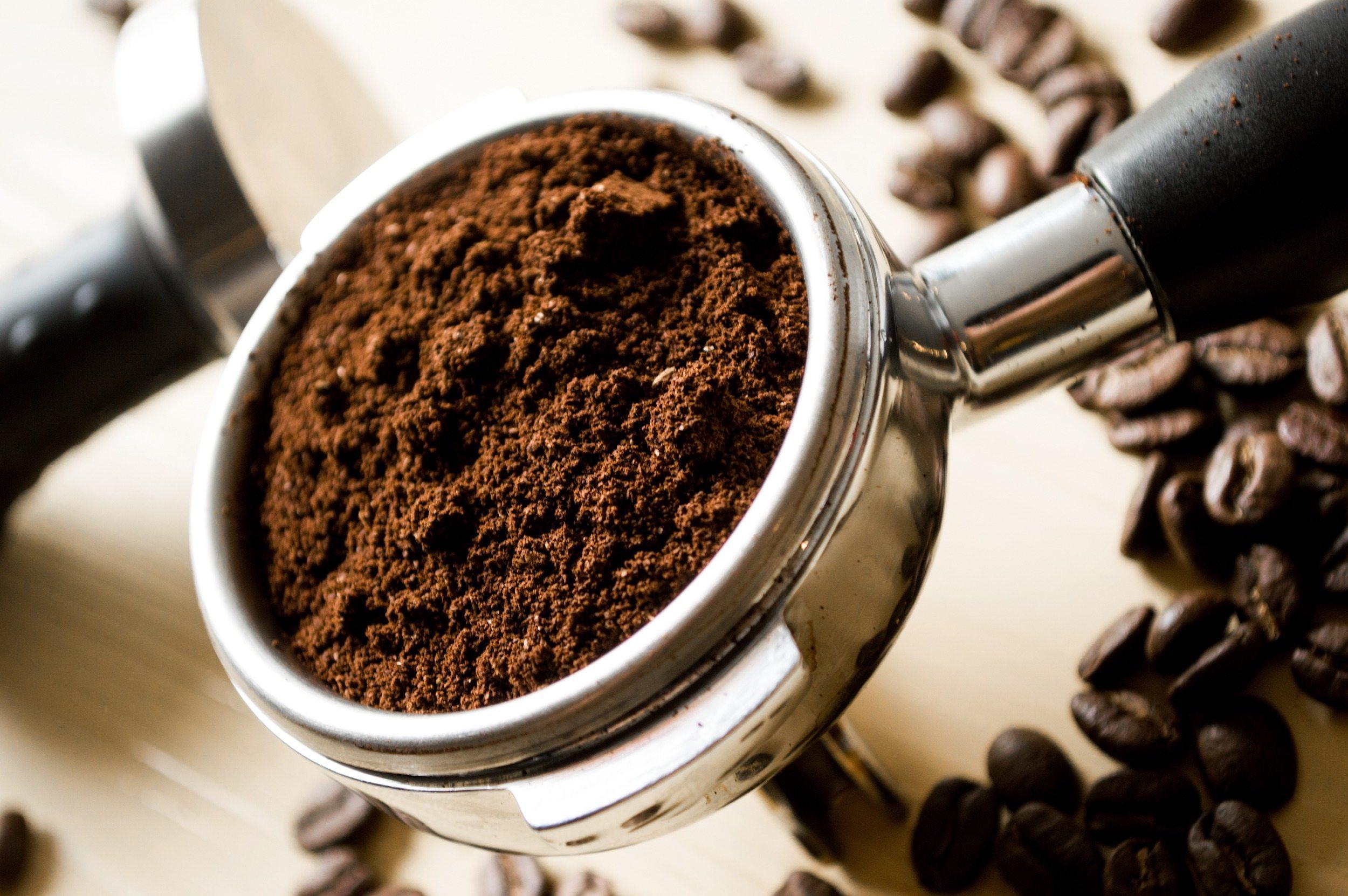 Super Marc de café : 15 astuces pour le réutiliser de façon astucieuse GQ33