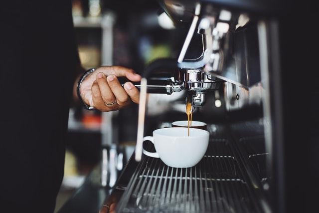 Machine caf en dosette ou en capsule comment choisir - Quelle machine a cafe choisir ...